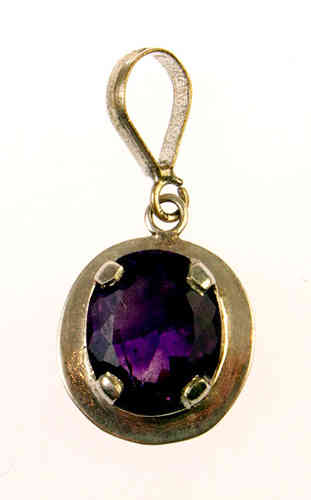 Amethyst pendant - amethyst faceted oval silver pendant (J27)